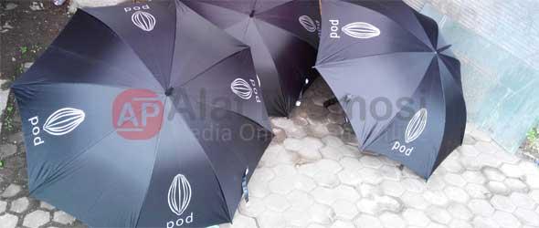 Payung standar warna hitam pesanan POD Chocolate