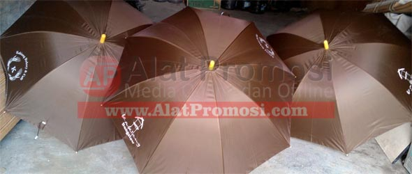 Payung golf warna coklat pesanan Kakiang bungalow - Kaking Bakery & cafe - Ubud