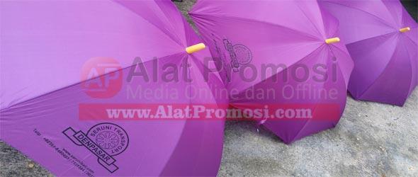Payung golf warna ungu pesanan Seruni Transport Bali